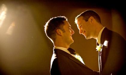 Những bức ảnh cưới đồng tính khiến bạn tan chảy trái tim