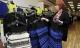 300 'chiếc váy gây tranh cãi' được bán hết trong vòng 30 phút