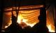 Kho hàng chứa hàng trăm tấn bông vải cháy suốt đêm