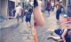 Hà Nội: Nam thanh niên dùng dép đập túi bụi vào mặt một phụ nữ lớn tuổi
