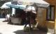 Dân chợ cũng bỏ của chạy lấy người vì nắng nóng