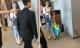 Hà Nội: 'Hot girl quỵt tiền' bị một nhà hàng mời ra khỏi quán ngay khi vừa gọi món
