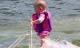 Bé gái 6 tháng tuổi chưa biết đi đã biết lướt ván chuyên nghiệp