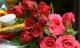 Có nên cắm hoa hồng trên bàn thờ không?