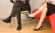 Không chỉ vắt chéo chân, những tư thế ngồi này cũng gây ra những tổn hại sức khỏe vô cùng đáng sợ