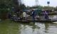 Hàng chục người lùng sục bờ sông tìm bé gái 4 tuổi nghi bị đuối nước