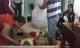 Vụ bé gái 4 tuổi nghi bị hai người bạn của bố đánh tử vong, vứt xác: 'Tóc con bị bứt, bụng có nhiều vết châm tàn thuốc lá'