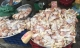 Mách chị em bỏ túi cách tránh mua nhầm thịt gà thải chất lượng kém ở ngoài chợ