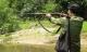 Nhóm thanh niên nổ súng bắn chim, người đi đường trúng đạn nguy kịch