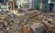 """Nước lũ như """"sóng thần"""" ở Nha Trang: Thoát chết nhờ lỗ thủng mái tôn"""