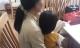 Người mẹ đau đớn tố cáo lão già xâm hại con gái 3 tuổi: 'Con bé nói ông ta làm con đau, hôn vào mặt con...'