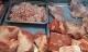 Giá thịt lợn không giảm, ai là người hưởng lợi?