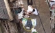 Hà Nội: Xe rùa rơi từ tầng 5 ngôi nhà đang thi công trúng người đi đường, một người đàn ông nhập viện cấp cứu