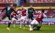 Tiền đạo Leeds lập kỷ lục với cú hat-trick vào lưới Aston Villa