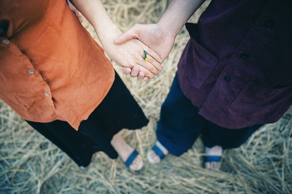 Ảnh cưới 'xin một vé về tuổi thơ' đậm chất miền quê Bắc Bộ