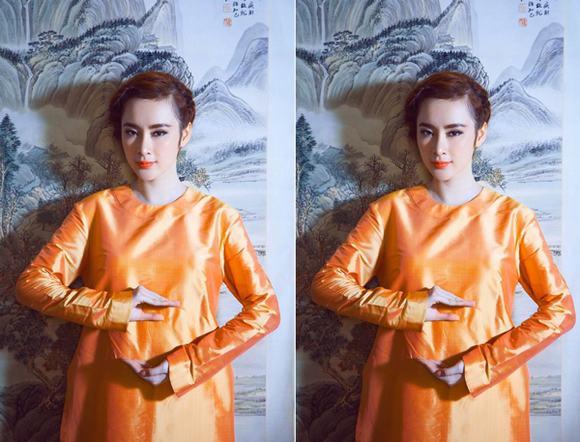 Angela Phương Trinh giống hệt Thủy Tiên khoe body siêu phẳng