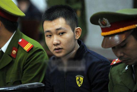 Hình ảnh về phiên xử bác sỹ Tường ném xác bệnh nhân
