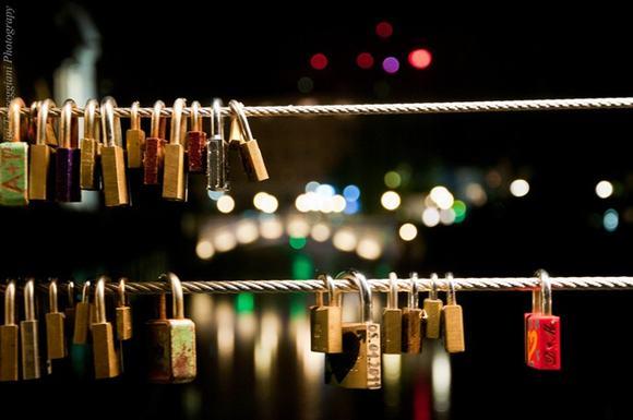 10 địa điểm có khóa tình yêu lãng mạn nhất thế giới