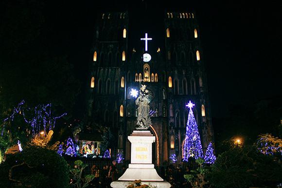 Nhà thờ Hà Nội đẹp lung linh trước thềm Giáng sinh