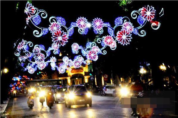 Thủ đô Hà Nội lung linh đón chào năm mới